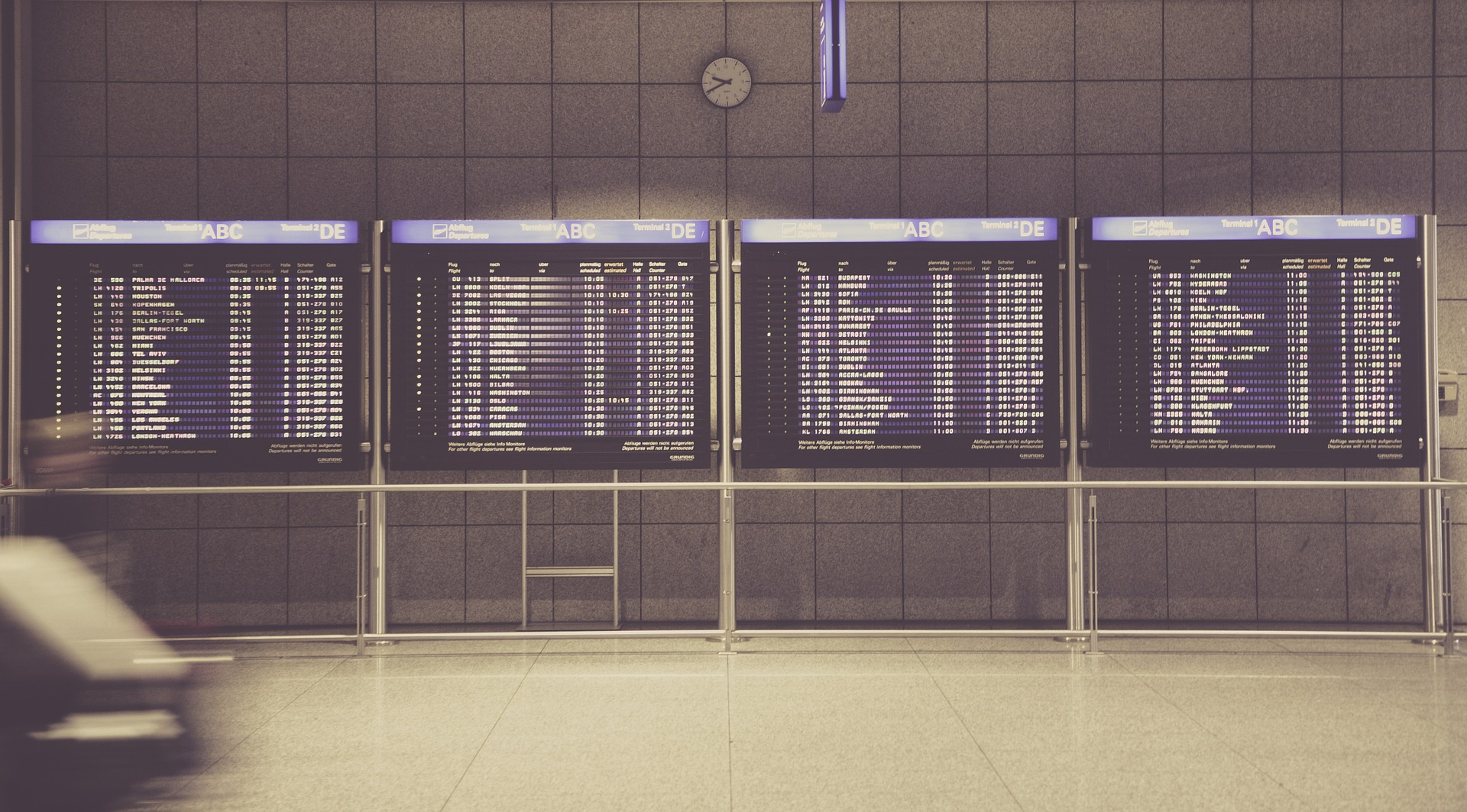 How To Compare Different Flight Search Engine & Pick The Best Deal